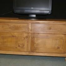 meuble télé  ou bout de lit réf hp6