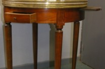 table Louis XVI