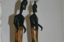 statuettes bois et os
